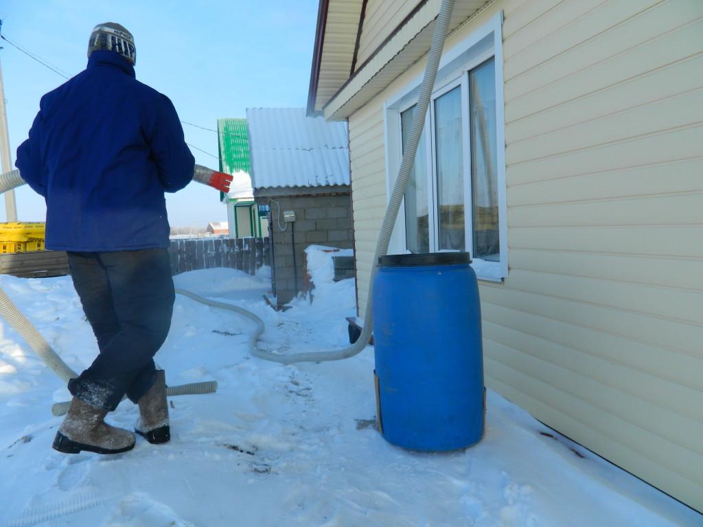 подготовка оборудования 1024x768 Утепление чердака жилого дома по ул.Нагайская   фотоотчет