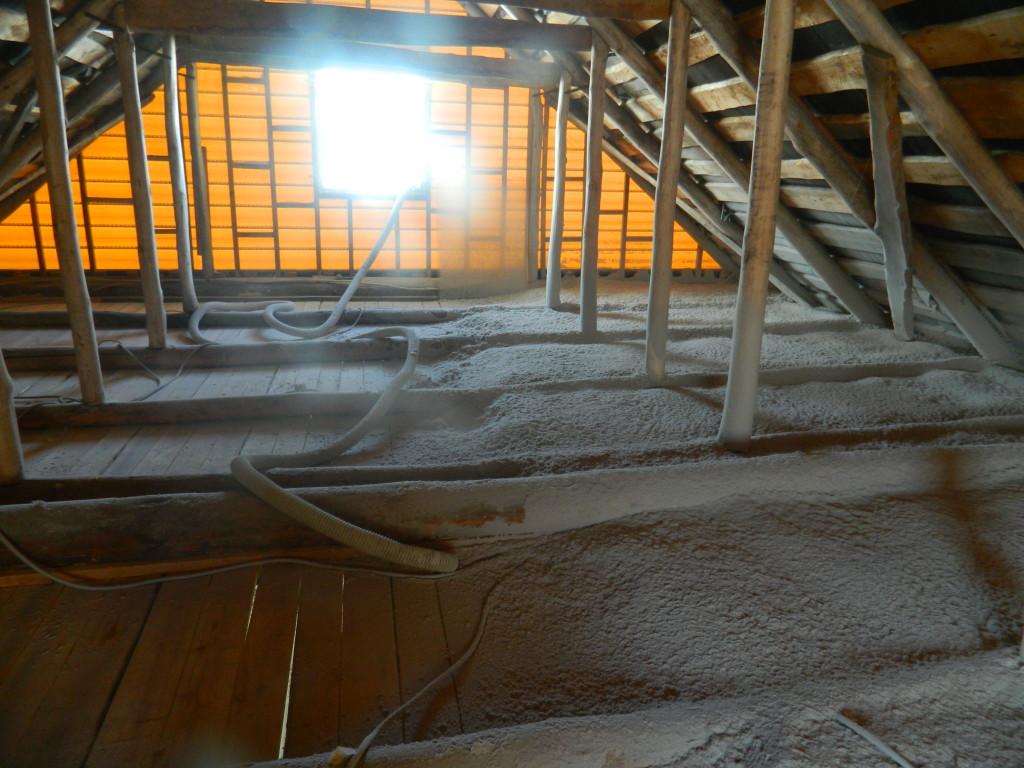 половину работы сделали 1024x768 Утепление чердака жилого дома по ул.Нагайская   фотоотчет